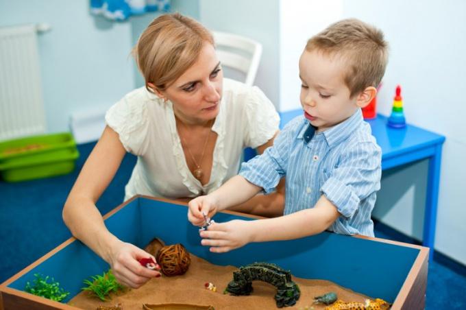 Иногда только психолог может помочь ребенку