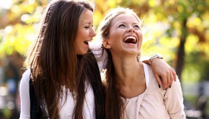 Смех вызывают различные причины
