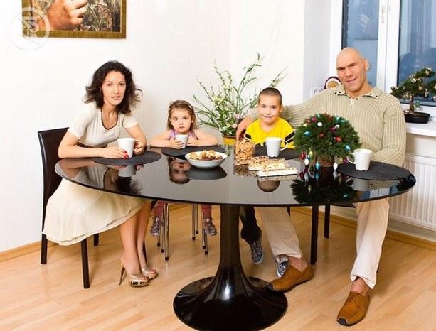 Николая Валуев с семьей