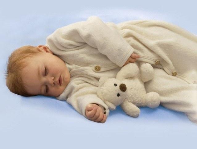 Как часто грудной ребенок встает по ночам