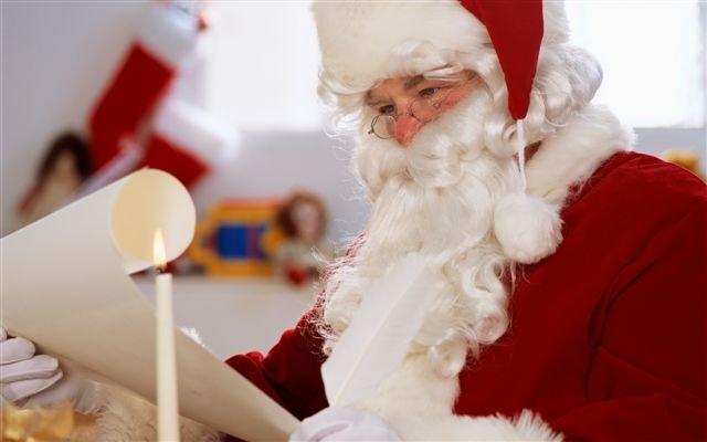 Почему Дед Мороз всегда дарит подарки