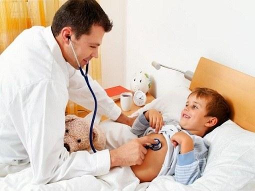 У ребенка температура и слезятся глаза чем лечить