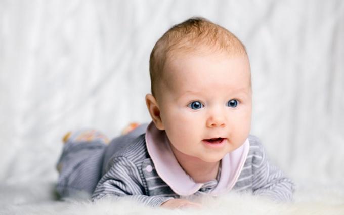 Не рекомендуется называть своего ребенка именем умершего родственника!