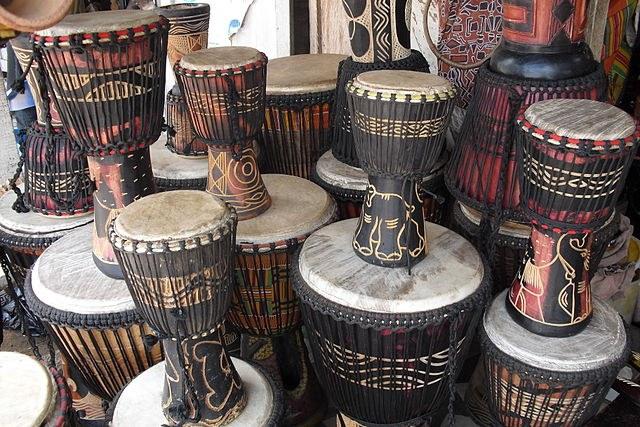 Как называется деревянный африканский барабан