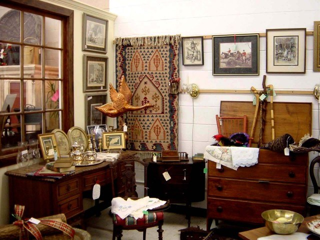 How to sell Antiques