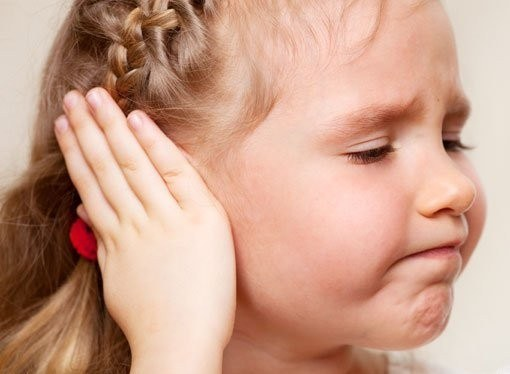 Why clicks eardrum