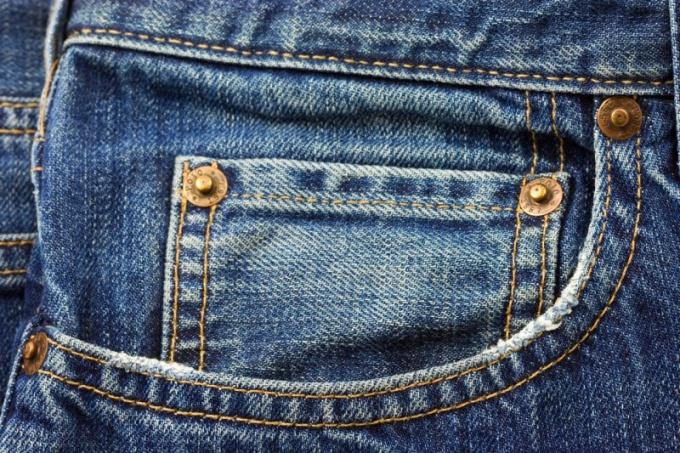 Для чего пятый карман на джинсах