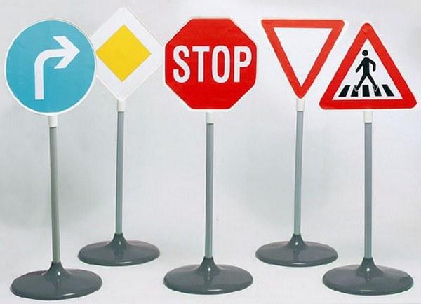 В каком европейском городке нет дорожных знаков