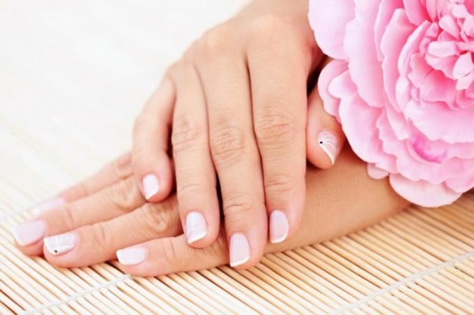 Чистота ногтей - показатель опрятности человека