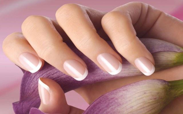 Способ ухода за ногтями каждая женщина выбирает сама