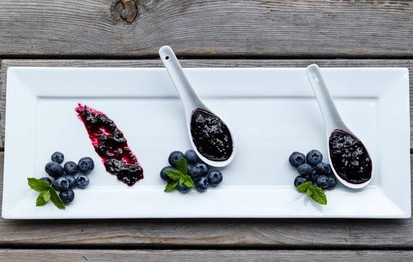 Как приготовить домашний джем из красной смородины и черники