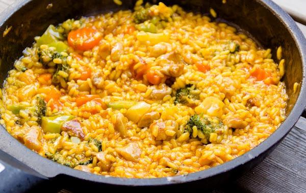 Как приготовить фаршированные рисом перцы в духовке