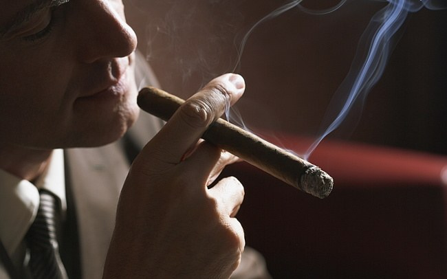 Нравятся ли девушкам курящие парни