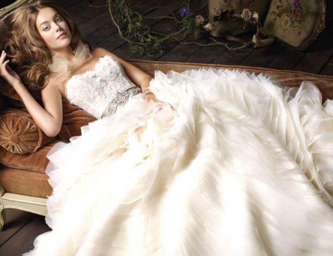 Свадебное платье Lazaro Bridal