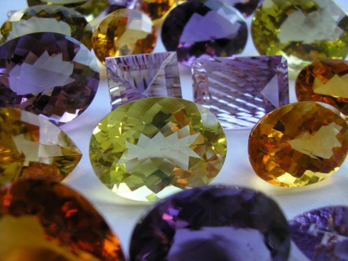 Могут ли камни менять цвет