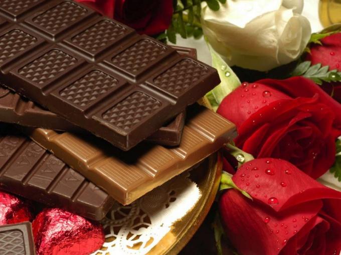 Какой шоколад полезнее - темный или молочный?