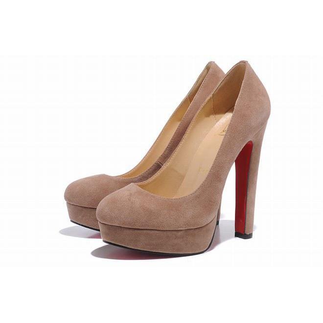 """Бежевые туфли на высоком каблуке станут отличным вариантом """"на выход"""""""