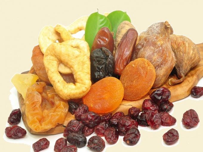 Как хранить сушеные ягоды и фрукты