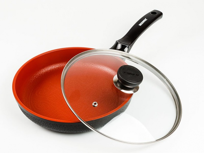 Из какого материала выбрать сковороду