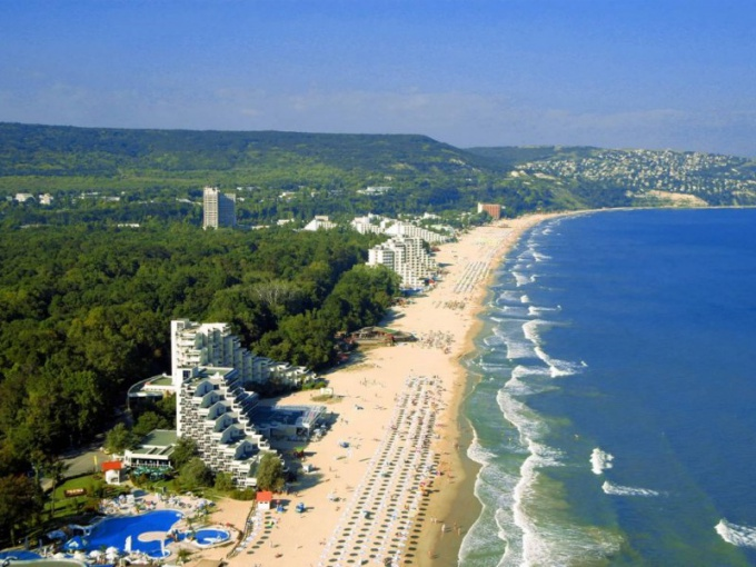 Which resort in Bulgaria is better