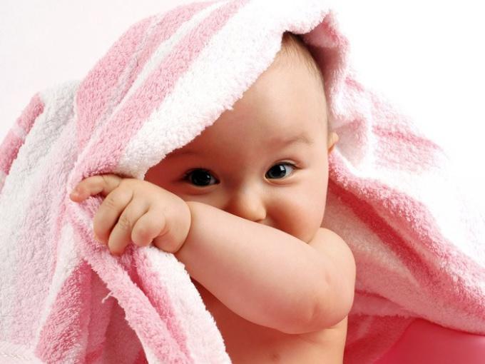 Детские вещи требуют тщательного ухода и осторожности в выборе средств для стирки