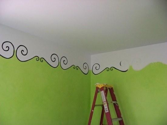 Как покрасить потолок в спальне