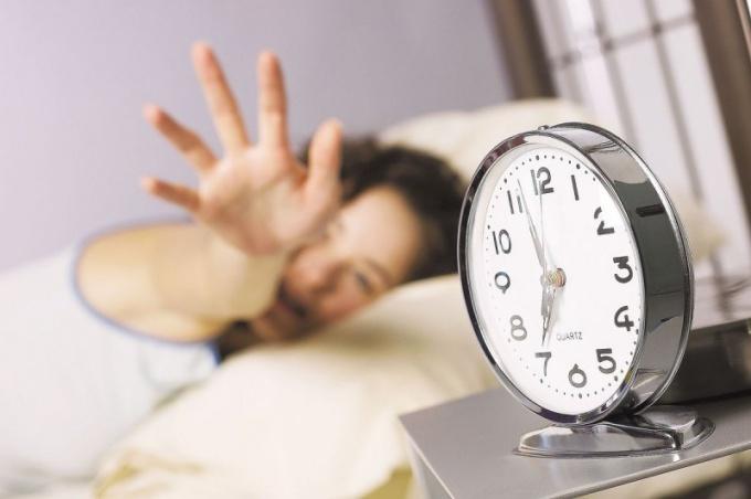 """Кто рано встает, тому бог подает, а что делать """"совам""""?"""