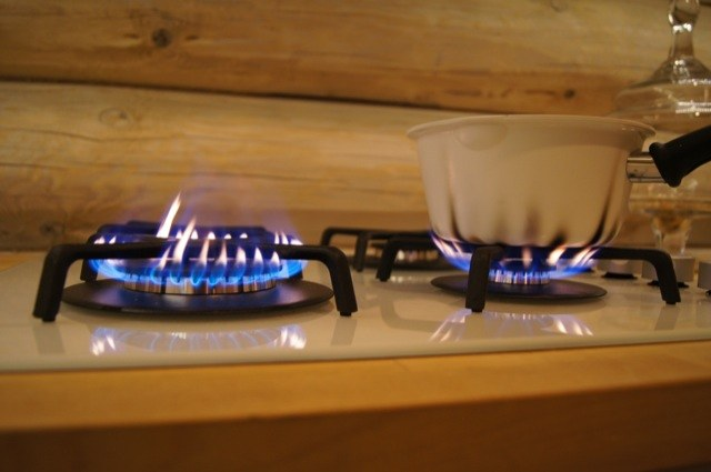 Why bloat gas stove