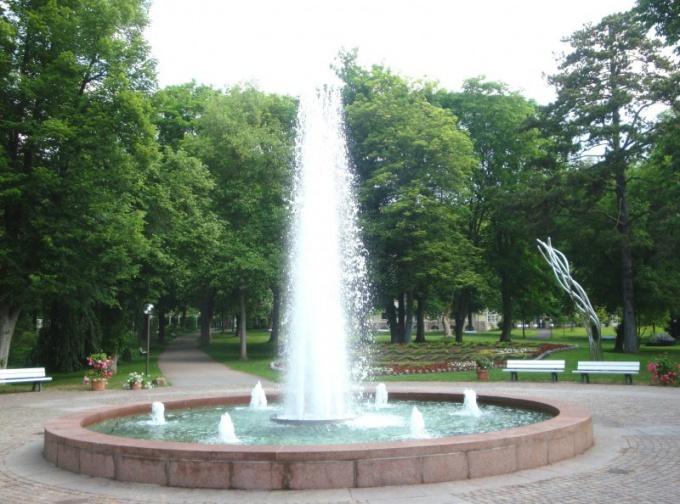 Когда в Москве включают фонтаны