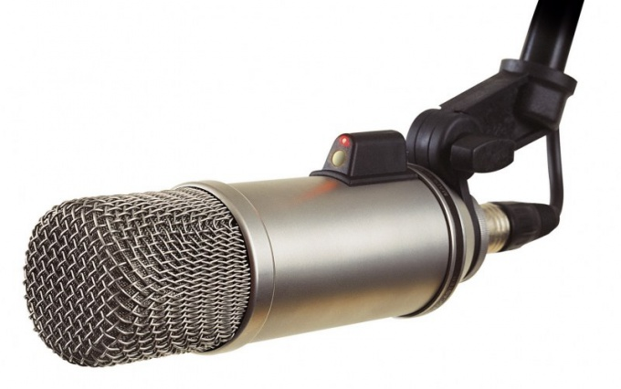 Какой микрофон лучше - проводной или беспроводной