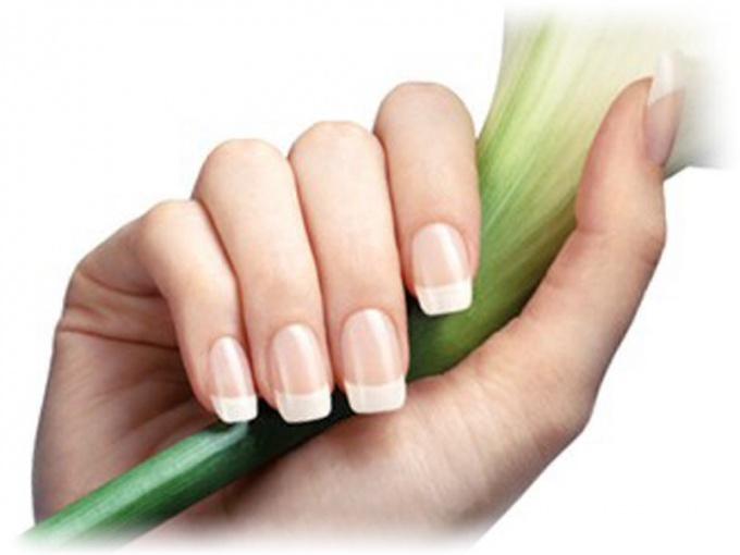 Настоящие ногти смотрятся прекрасно