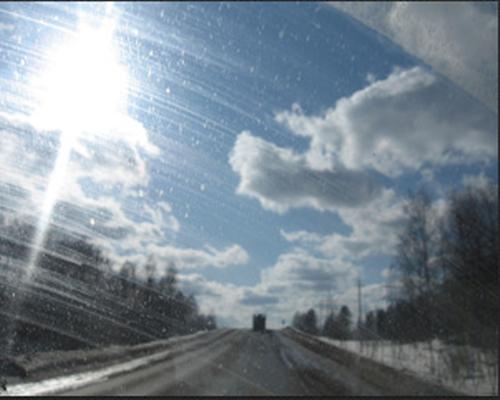 Как очистить стекла автомобиля в мороз?