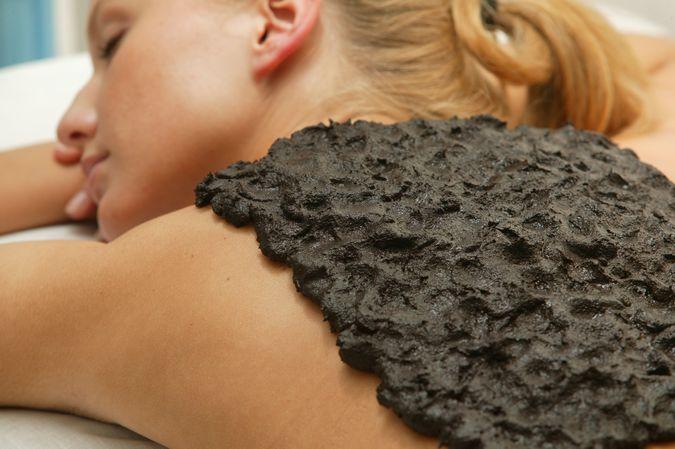 Применение лечебной грязи в косметологии