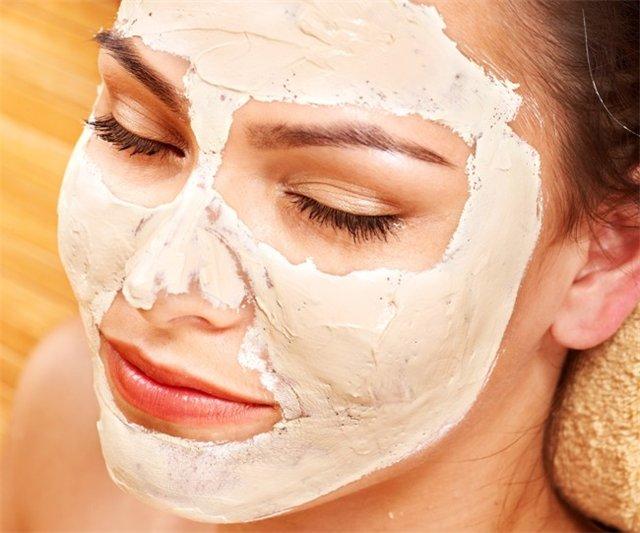 Masks for face from egg yolk