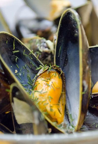 Как приготовить мидии в сливочном соусе с укропом