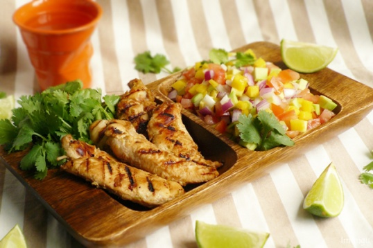 Chicken breast with Indian salsa