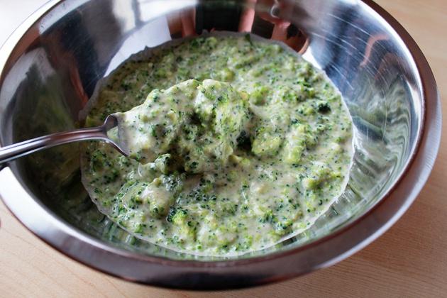 Как приготовить красивые и полезные оладьи из брокколи