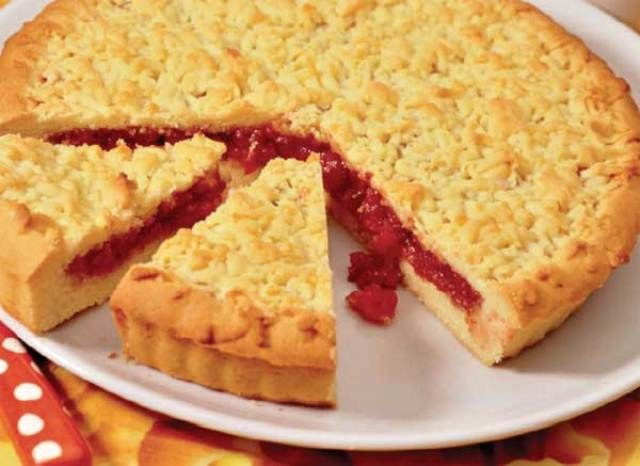 How to make a pie with raspberry jam