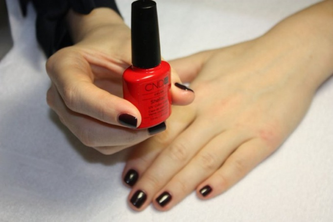 How to remove a manicure shellac