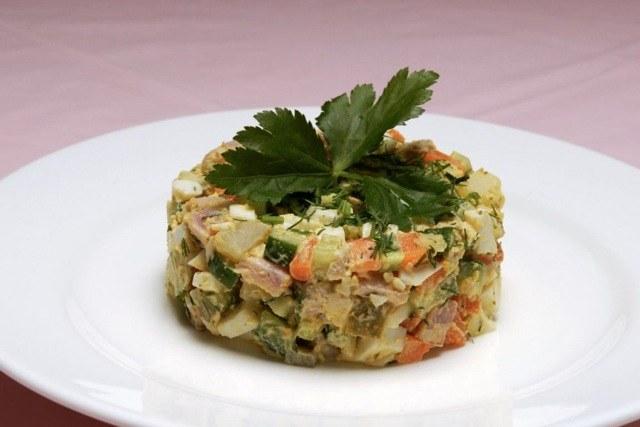 Как приготовить салат «Оливье» с креветками