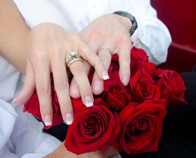 Folk omens about engagement rings