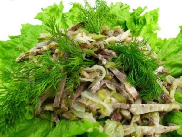 Какой салат можно приготовить со свиным языком