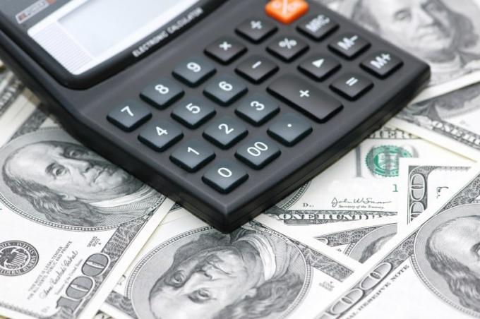 Что делать с деньгами перед дефолтом