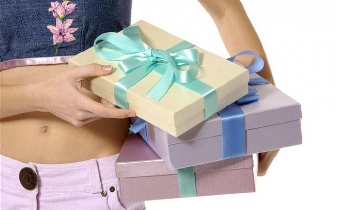 Приметы и суеверия о подарках