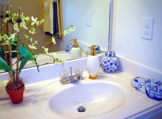 Можно ли устанавливать розетку в ванной
