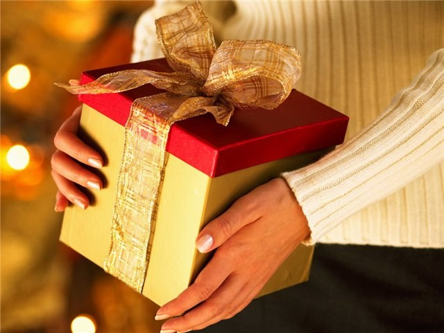What to give to her father on the anniversary