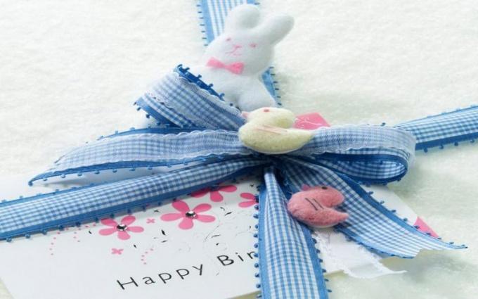 Что подарить новорожденным мальчуганам-близнецам