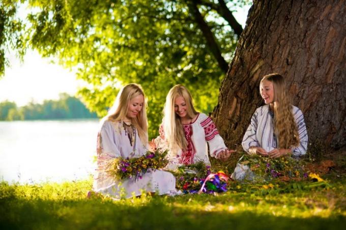 Какие религиозные праздники отмечают 23 июня