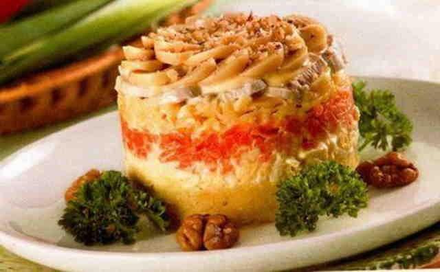 Салат «Белые ночи» -  отличная закуска и для будничного меню, и для праздничного застолья