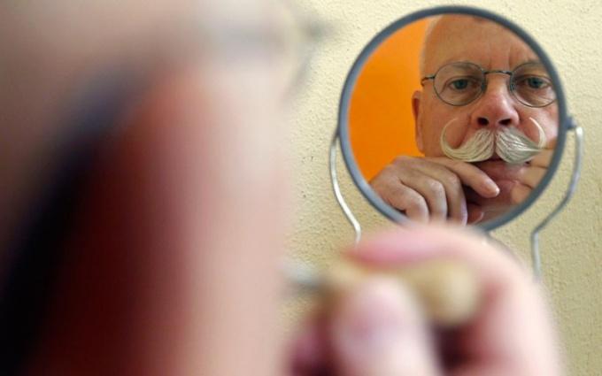 Почему бояре на Руси при Петре Первом отказывались брить бороды